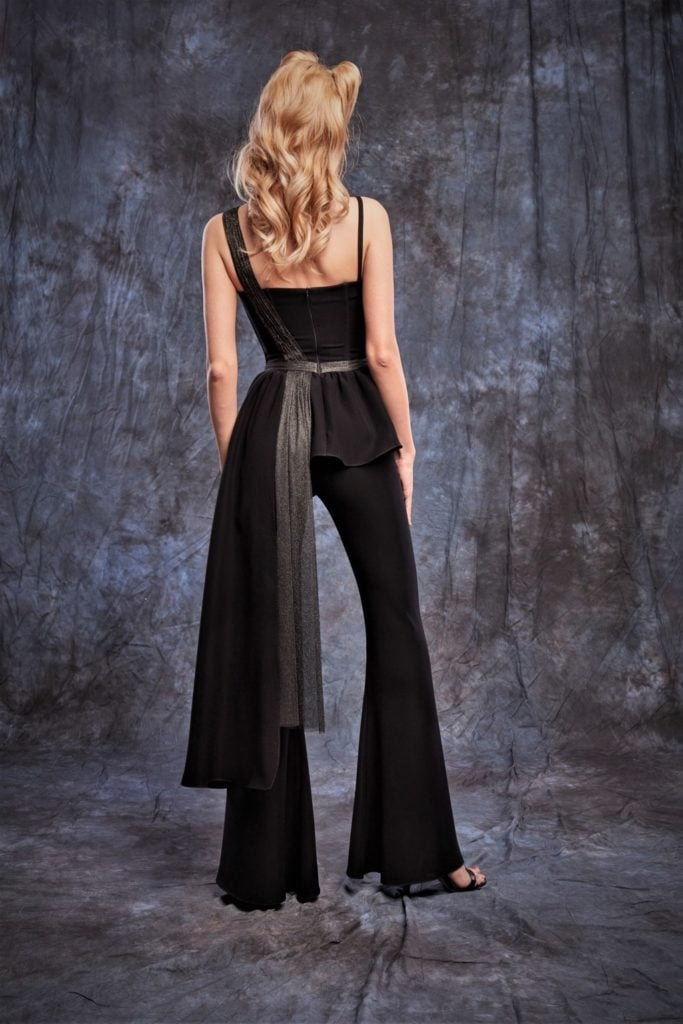 Bluza neagra asimetrica cu fasii