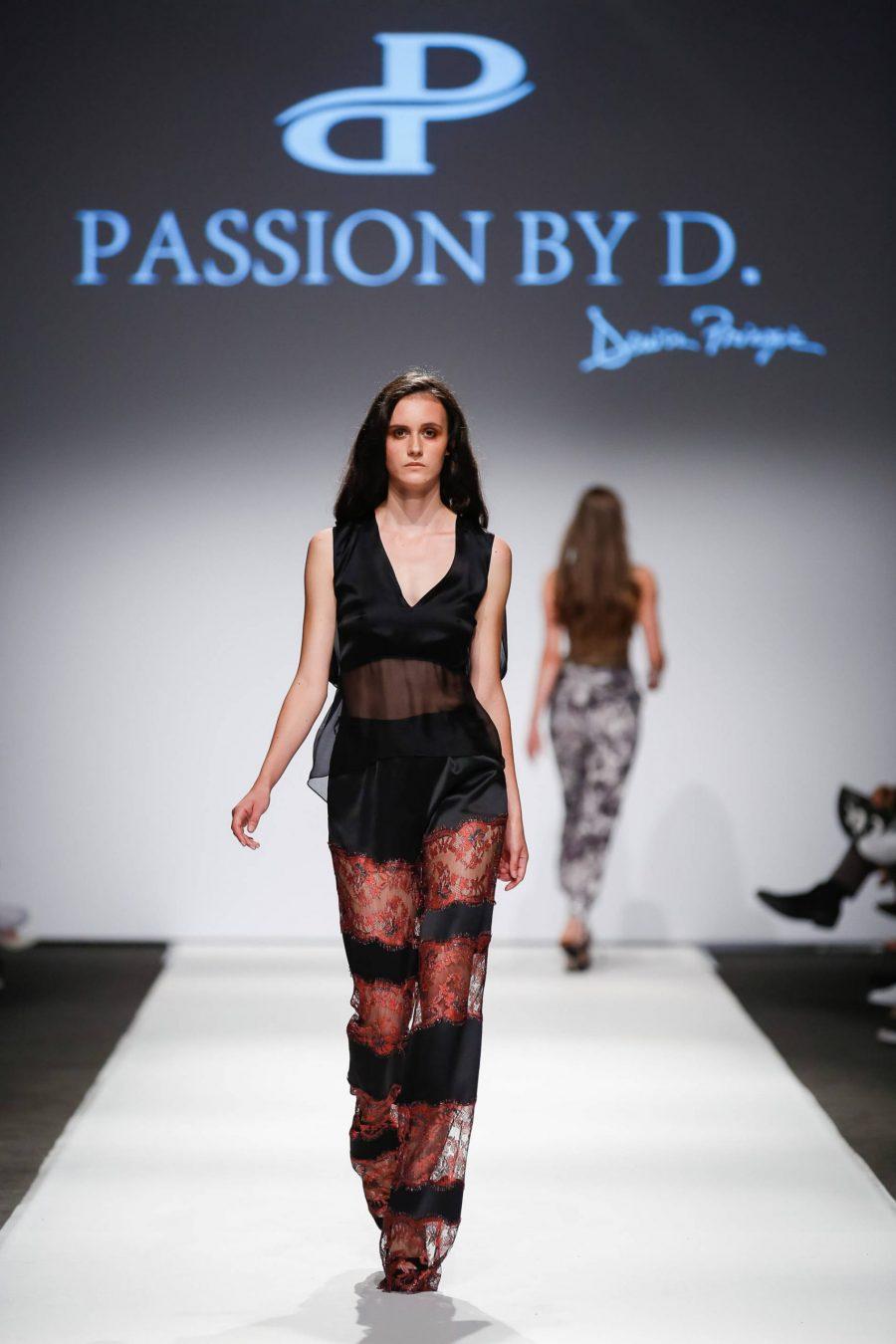 Pantaloni evazati cu insertii din dantela Vienna Fashion week 2019 - Passion by D