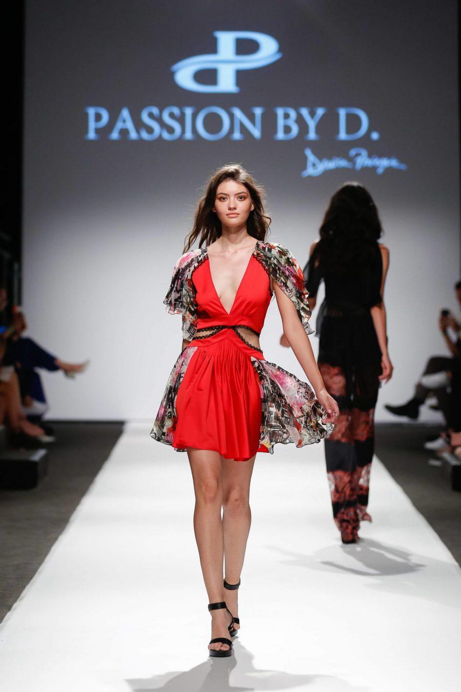 Rochie de cocktail cu decupaje laterale Vienna Fashion week 2019 - Passion by D