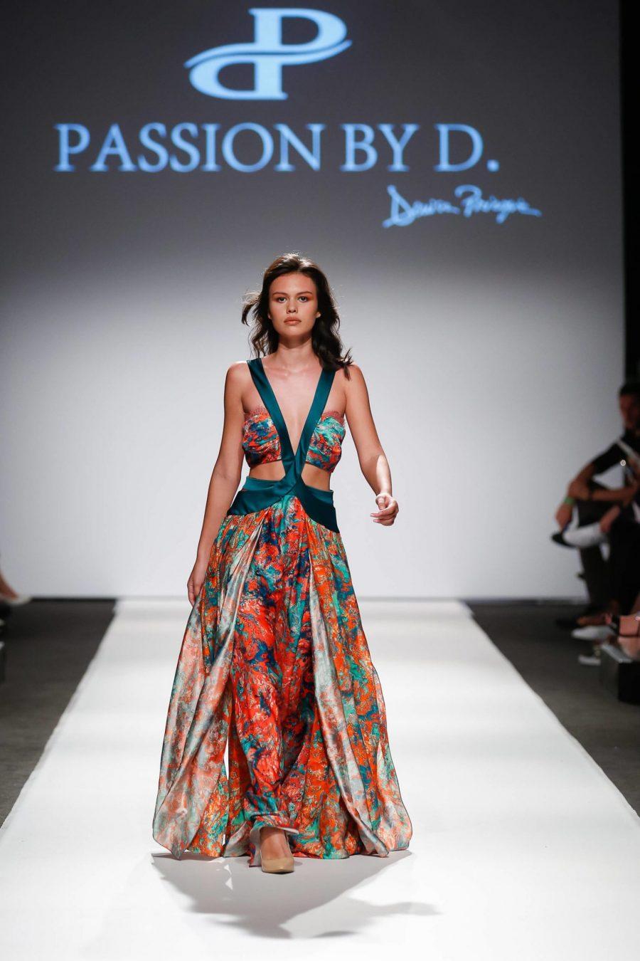 Rochie de seara decupata prezetare moda Passion by D