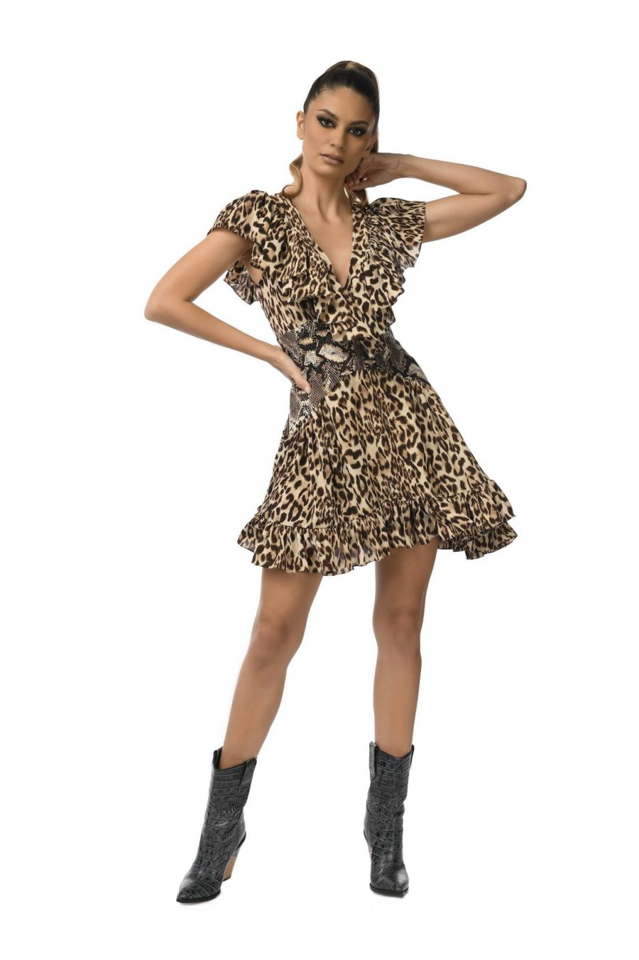 Rochie mini cu corset si volane