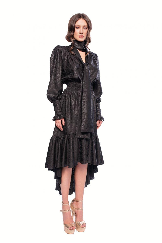 Rochie neagra cu esarfa lata